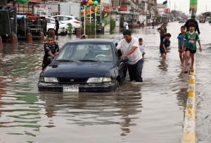 151029-flooding-bagdad-mbm_373520c2078935c0e6e0e8fdadad96a9.nbcnews-ux-2880-1000