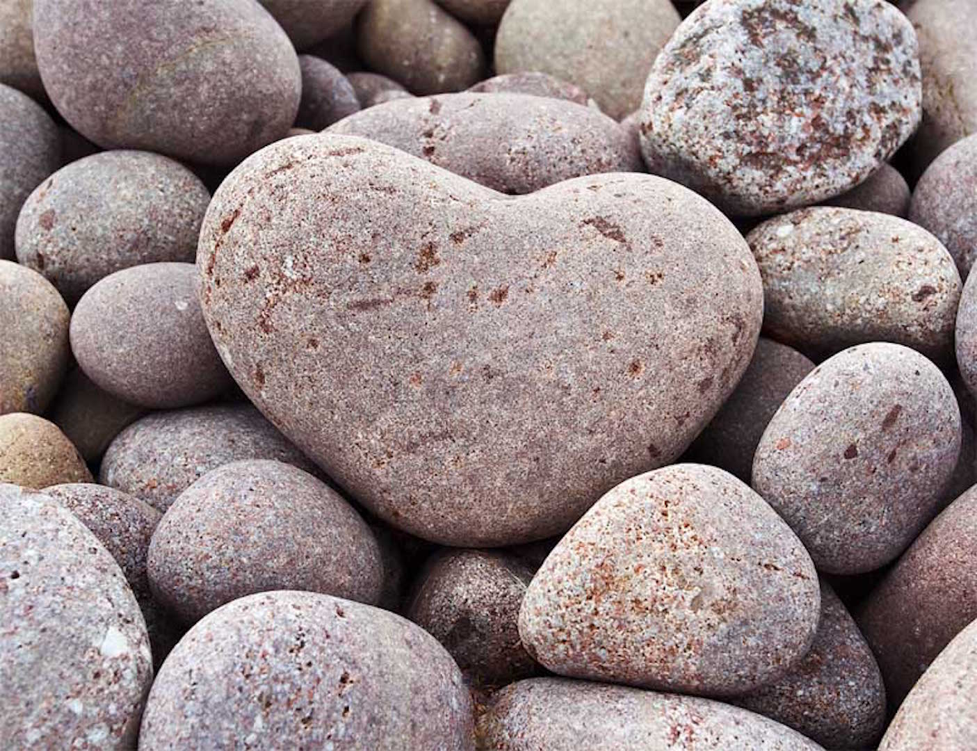 Heart-shaped-stone-on-boulder-beach3