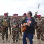 Randy-entertains-some-members-of-the-Pashmerga-Kurdish-army-at-the-border